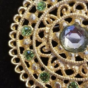 CLASSIC VINTAGE STYLE PIN!!
